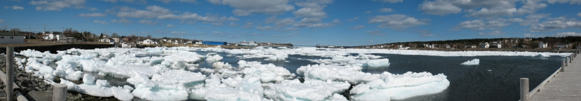 ice-in-harbour-1373963-1918x333